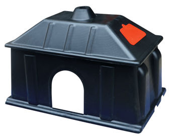 Black Warmly Plastic Piglet Heat Preservation Box On Pig Farrowing Crate
